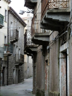 In Tempio centre, narrow streets